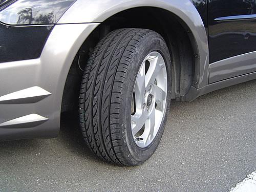 タイヤを Pirelli P-ZERO NERO に変更しました。 ピ... タイヤ・ホイール